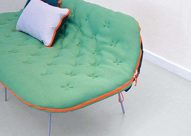 Camp-Daybed-For-Casual-Sleepers-and-Casual-Sitters-03